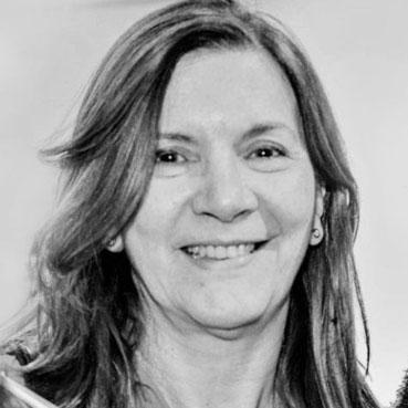 </p> <h2><b>Prof. Dra. Lucía Delgado</b></h2> <p>